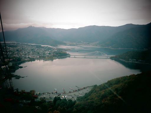 河口湖 カチカチ山 紅葉のサムネイル画像